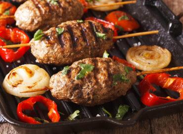 Kofta kebab – szaszłyki ze zmielonego mięsa