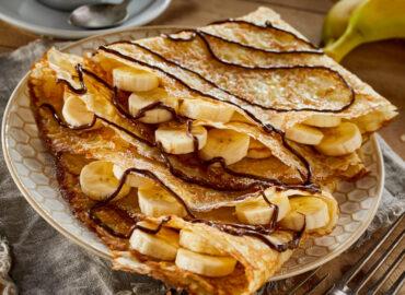 Naleśniki z nutellą i karmelizowanymi bananami