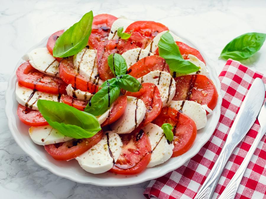 Sałatka Caprese – prawdziwie włoska sałatka